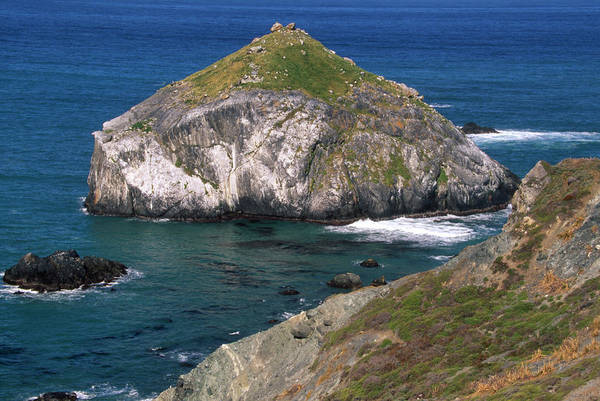 Offshore Rocks Art Print featuring the photograph Blue Green Seas - Highway One by Soli Deo Gloria Wilderness And Wildlife Photography