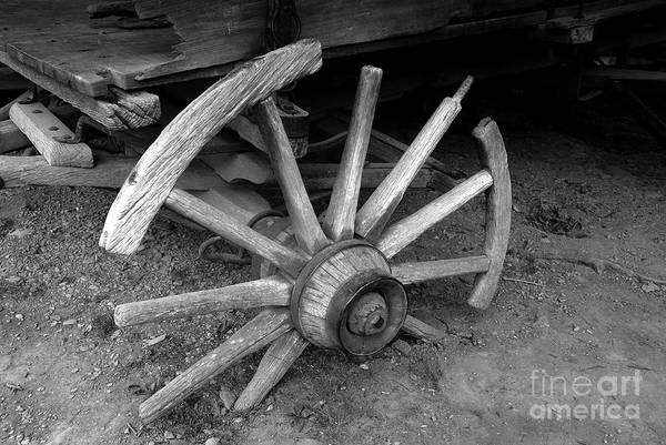 Wagon Wheel Art Print featuring the photograph Broken Wheel by David Lee Thompson