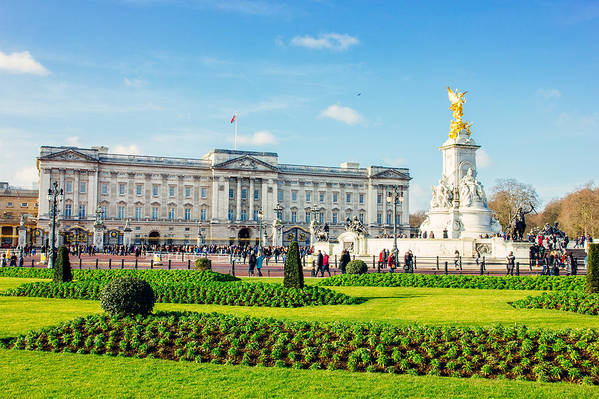 Buckingham Palace Art Print featuring the photograph Buckingham Palace Sunny Day by Pati Photography