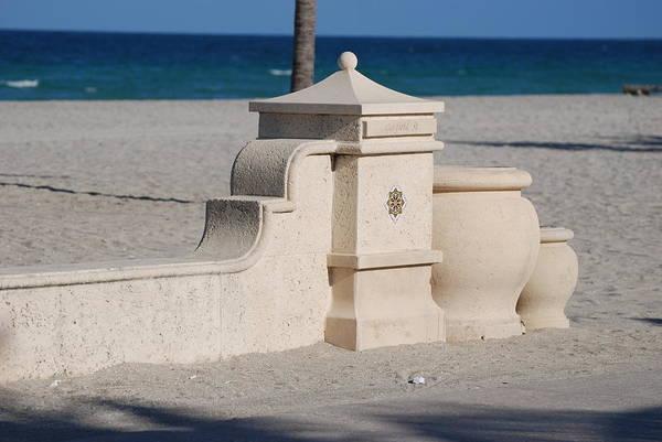 Beach Art Print featuring the photograph Hollywood Beach by Rob Hans