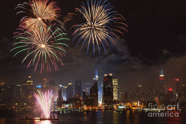 Clarence Holmes Art Print featuring the photograph Hudson River Fireworks Iv by Clarence Holmes