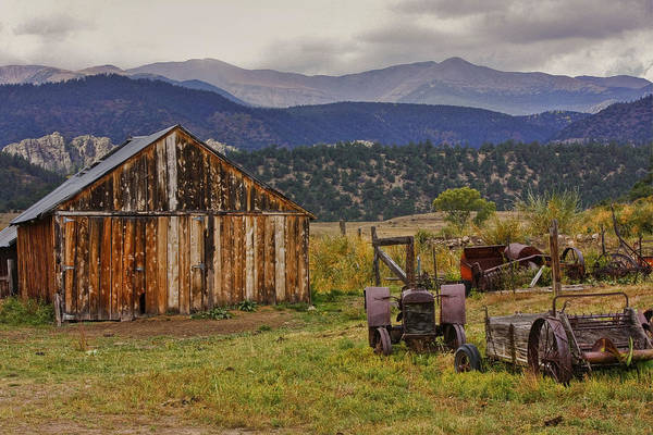 Black Mesa Art Print featuring the photograph Spanish Peaks Ranch 2 by Charles Warren