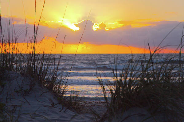 15491 Art Print featuring the photograph Sunrise On The Atlantic by Gordon Elwell