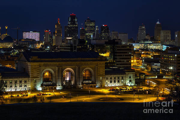 Union Station Art Print featuring the photograph Union Station At Night by Carolyn Fox