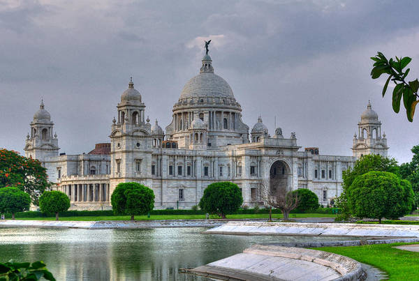 Victoria Memorial Hall Art Print featuring the photograph Victoria Memorial Hall Calcutta Kolkata by Srijan Roy Choudhury