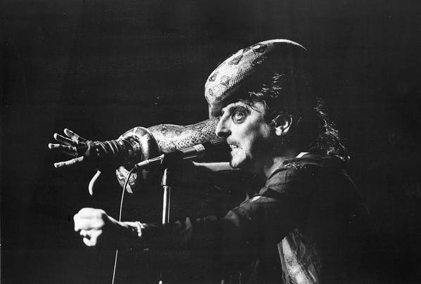 People Art Print featuring the photograph Alice Cooper At Msg by Fred W. McDarrah