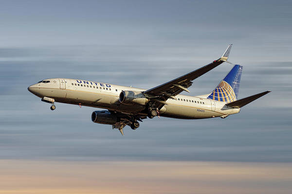 United Airlines Art Print featuring the mixed media United Airlines Boeing 737-824 by Smart Aviation