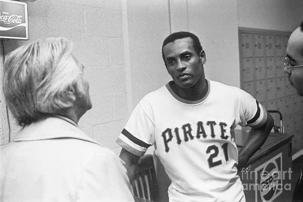 People Art Print featuring the photograph Roberto Clemente by Morris Berman