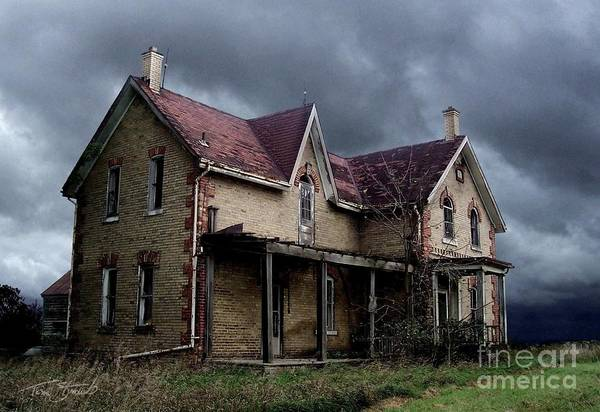 Haunted House Art Print featuring the photograph Farm House by Tom Straub