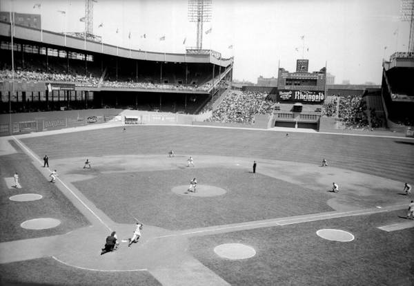 American League Baseball Art Print featuring the photograph The Boston Braves And The New York Mets by New York Daily News Archive