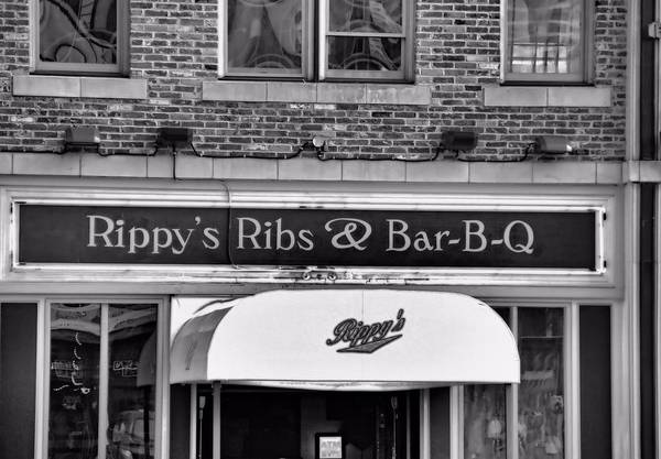 Rippy's Ribs And Bar Bq Art Print featuring the photograph Rippy's Ribs And Bar Bq by Dan Sproul