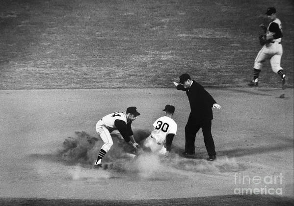 1962 Art Print featuring the photograph Maury Wills (1932- ) by Granger
