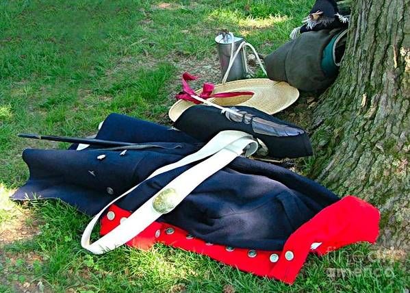 Revolutionery War Photos Art Print featuring the photograph A Soldier's Things by Julie Dant