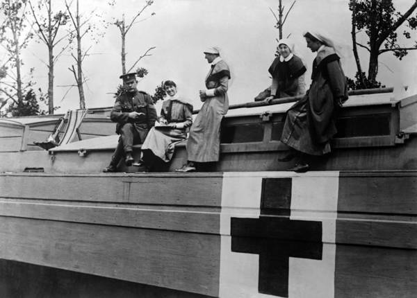 Nurse Art Print featuring the photograph Nurses On A Hospital Barge - Wwi France - 1917 by War Is Hell Store