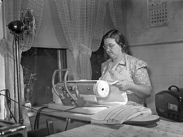 1942 Art Print featuring the photograph Tennessee Farm Wife, 1942 by Granger