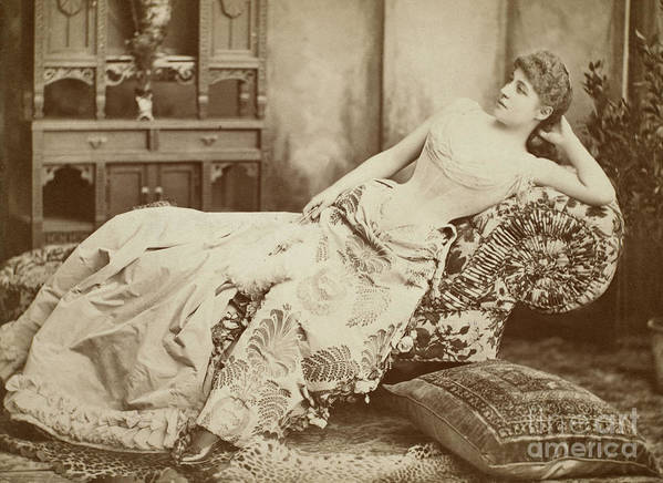 1885 Print featuring the photograph Lillie Langtry (1852-1929) by Granger