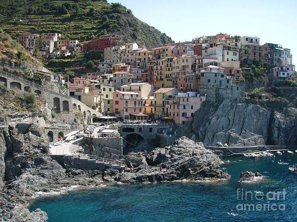 Italy Art Print featuring the photograph Manorola Italy by Tracy Lintz