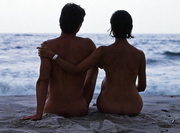 Love Art Print featuring the photograph Naked Couple On Beach by Stan Fellerman