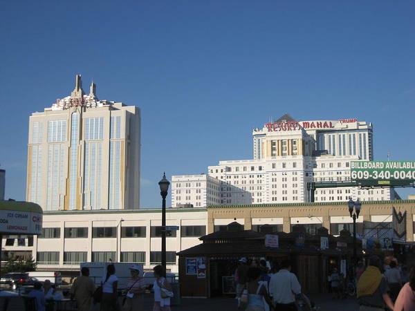 Atlantic Art Print featuring the photograph Atlantic City - Trump Taj Mahal Casino - 01133 by DC Photographer