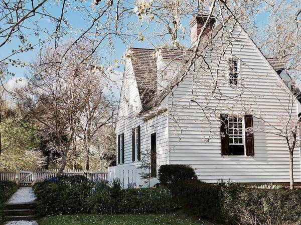Williamsburg Art Print featuring the photograph A Spring Day In Colonial Williamsburg by Rachel Morrison
