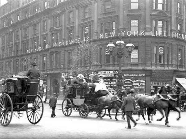 New York Ny City Horse Men Man Building Vintage 1898 Street Art Print featuring the photograph New York 1898 by Steve K
