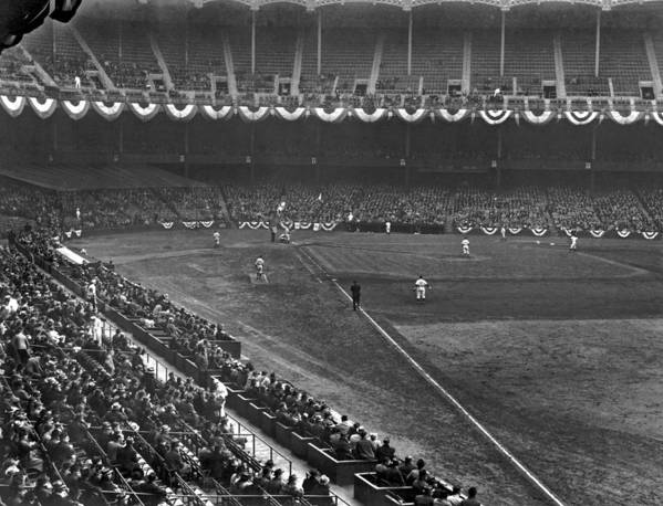 1940 Art Print featuring the photograph Yankee Stadium Game by Underwood Archives