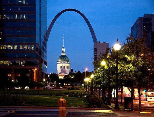 Cityscape Art Print featuring the photograph St Louis Old Court House And Arch by Cardell Jordan