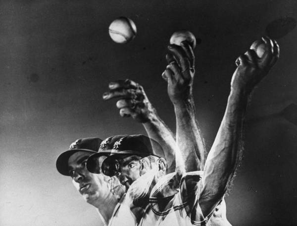 Curve Art Print featuring the photograph Carl Hubbell by Gjon Mili