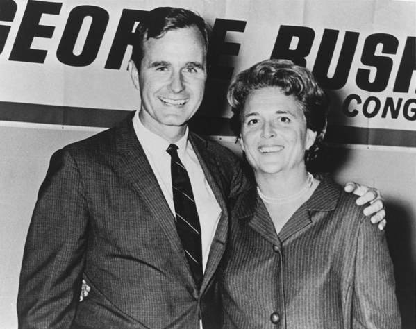 History Art Print featuring the photograph George And Barbara Bush In Houston by Everett