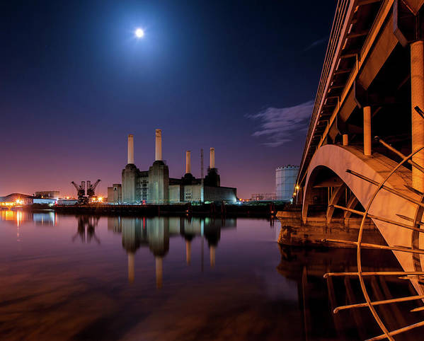 Horizontal Art Print featuring the photograph Battersea Power Station by Vulture Labs