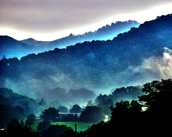 Great Smokey Mountains Print featuring the photograph Great Smokey Mountains by Susanne Van Hulst