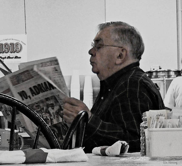Read Art Print featuring the photograph Bi-focused by Lin Haring