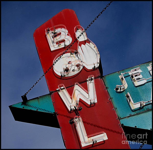 Color Art Print featuring the photograph Bowl Je by Curtis Staiger