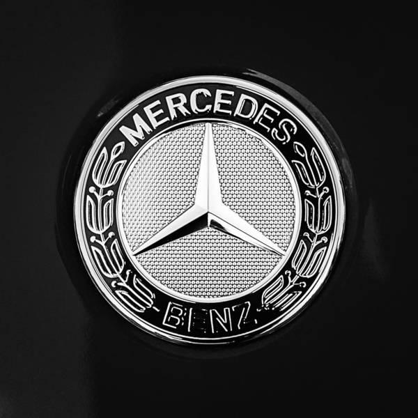 Mercedes-benz 6.3 Gullwing Emblem Art Print featuring the photograph Mercedes-benz 6.3 Gullwing Emblem by Jill Reger