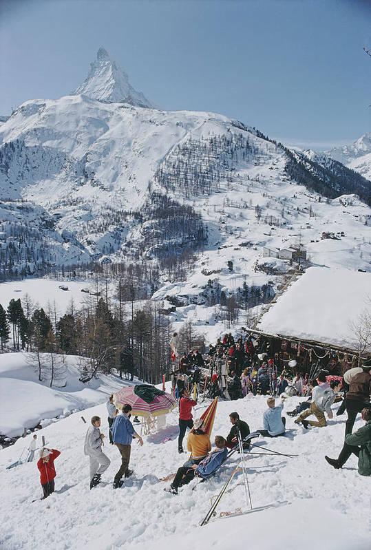 People Art Print featuring the photograph Zermatt Skiing by Slim Aarons