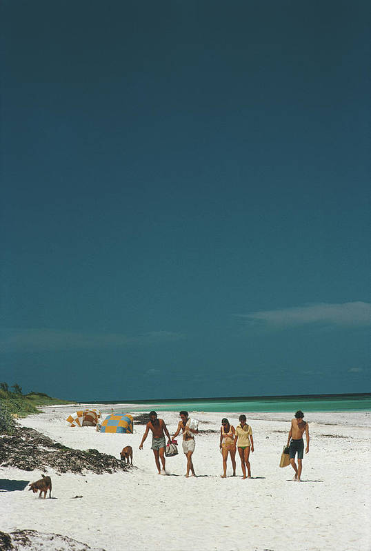People Art Print featuring the photograph Harbour Isle Beach by Slim Aarons
