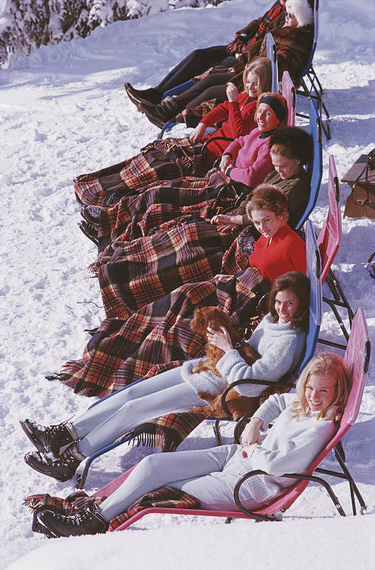 Gstaad Art Print featuring the photograph Apres Ski by Slim Aarons
