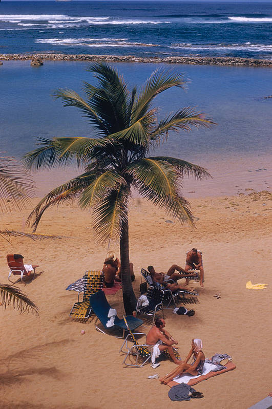 People Art Print featuring the photograph Caribe Hilton Beach by Slim Aarons