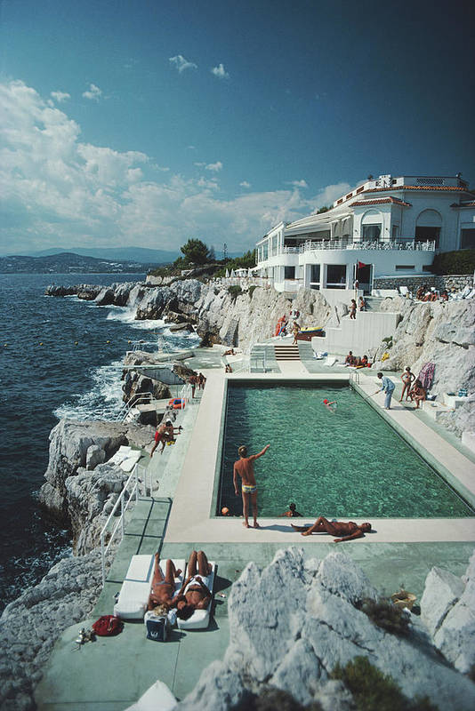 Recreational Pursuit Art Print featuring the photograph Eden-roc Pool by Slim Aarons