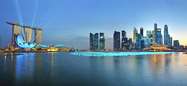 Tranquility Art Print featuring the photograph Singapore Marina Bay by Fiftymm99
