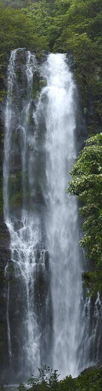 Wailua Falls Art Print featuring the photograph Wailua Falls by Richard Henne