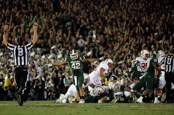 Michigan State University Art Print featuring the photograph The 100th Rose Bowl Game - Stanford V by Harry How