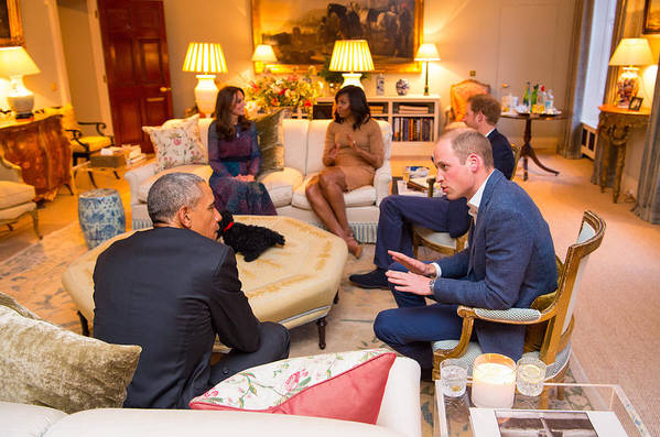Apartment Art Print featuring the photograph The Obamas Dine At Kensington Palace by WPA Pool