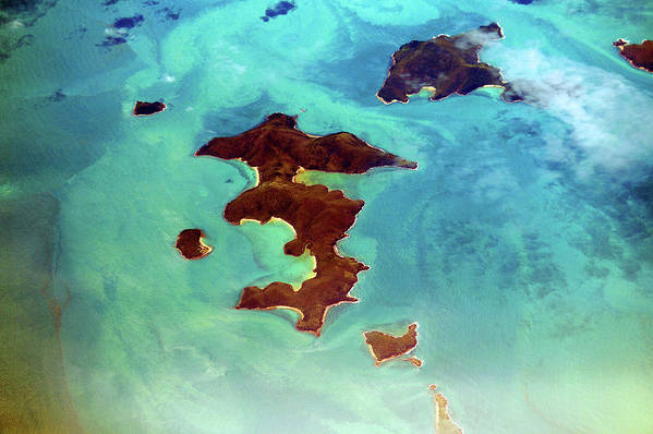 Scenics Art Print featuring the photograph Whitsunday Islands by Photography By Mangiwau