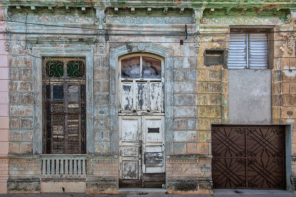 618 Or 276; Cuba Art Print featuring the photograph 618 Or 276 by Erron