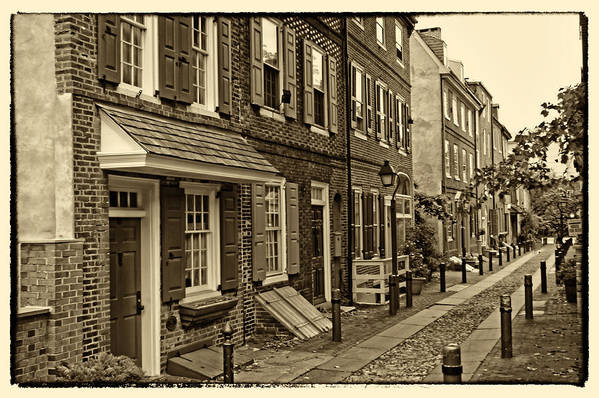 Philadelphia Art Print featuring the photograph Elfreths Alley by Jack Paolini