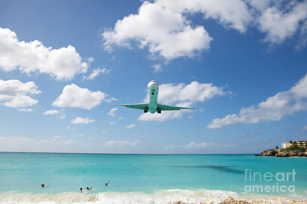 Flying Art Print featuring the photograph Final Approach by Kim Fearheiley