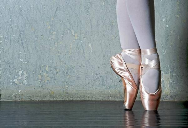 Ballet Dancer Art Print featuring the photograph Ballet Dancers Feet En Pointe by Dlewis33