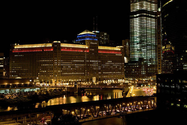 Chicago River Art Print featuring the photograph Chicago Merchandise Mart by Helpinghandphotos