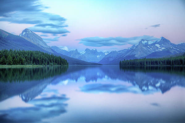 Moraine Lake Art Print featuring the photograph Dusk On Maligne Lake by Bike maverick